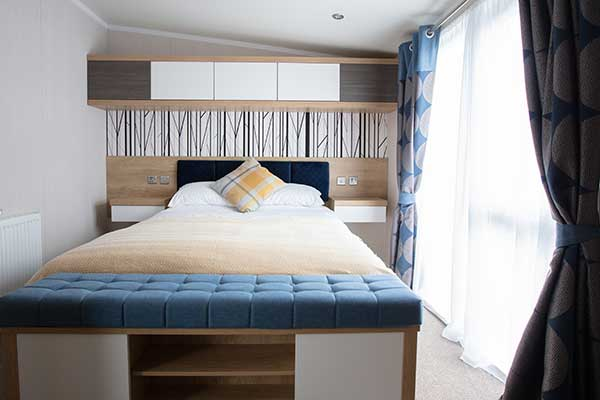 lodge double bedroom hanworth country park lincolnshire